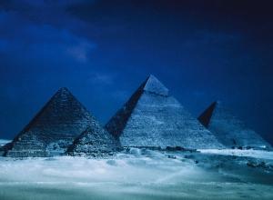 Die-Pyramiden-von-Giseh