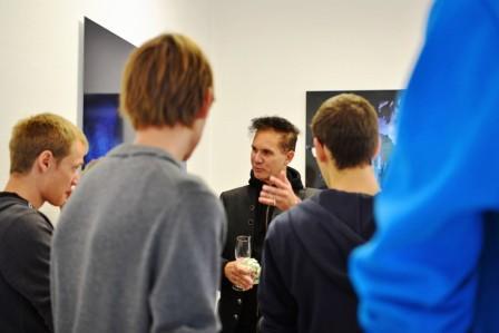Ausstellung und Rosenkreuzer - Jugendliche im Gespräch mit Andreas Bromba